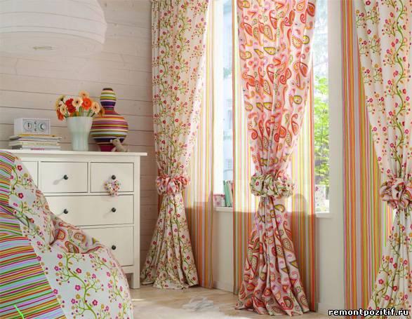 Дизайн штор в интерьере спальни - фото.