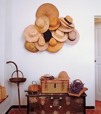 шляпы в дизайне стен