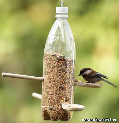 кормушка для птиц из пластиковой бутылки