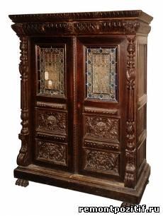 антикварный шкаф