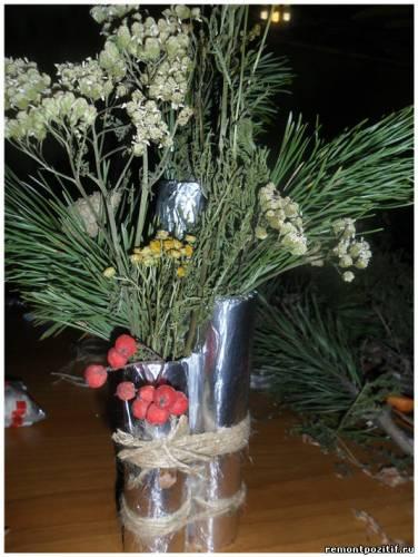 ваза из природных материалов
