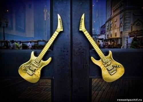 Дверные ручки - гитары