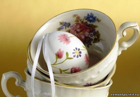 яйцо с цветочным узором