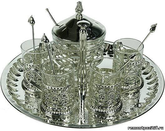 набор посуды из металла