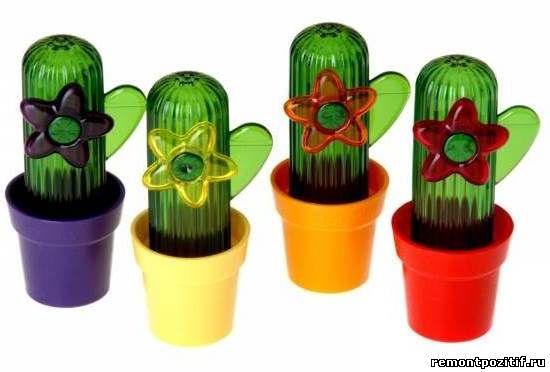 солонки в виде кактусов