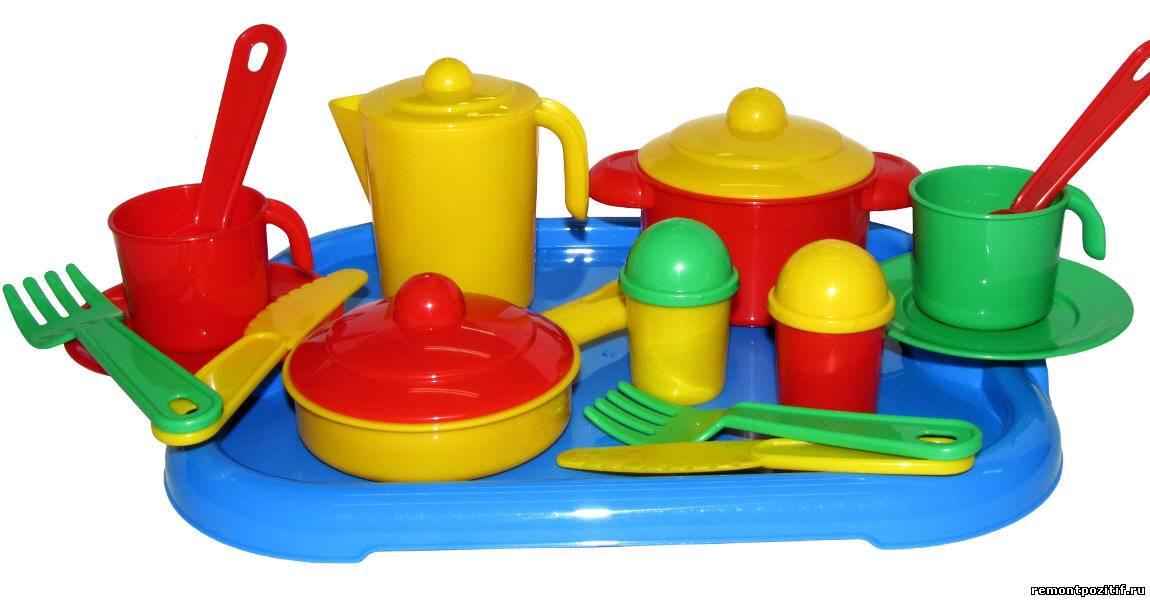 детская посуда из пластика