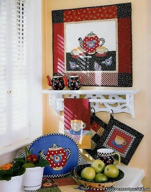 декоративное настенное панно из лоскутков ткани