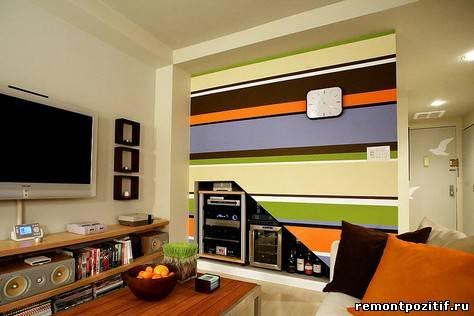 полосатая гостиная в стиле ретро
