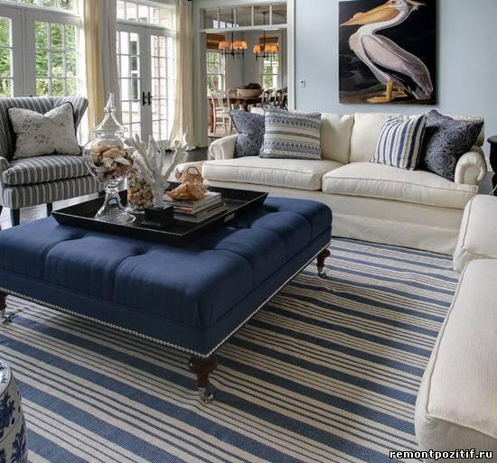 полосатая гостиная в морском стиле
